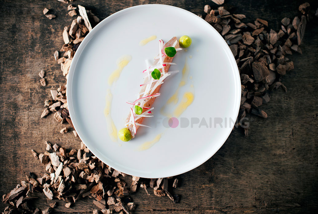 http://blog-assets.foodpairing.com/2016/02/Mackerel-pear-wood-bergamot.jpg