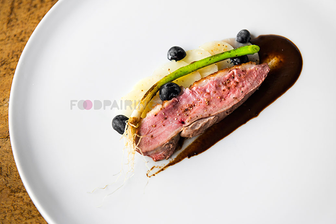 http://blog-assets.foodpairing.com/2016/04/690-FP-Blueberry-duck.png