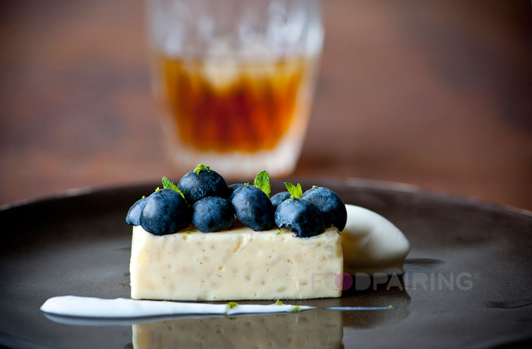 http://blog-assets.foodpairing.com/2016/04/Blueberry-Zacapa-rum.jpg