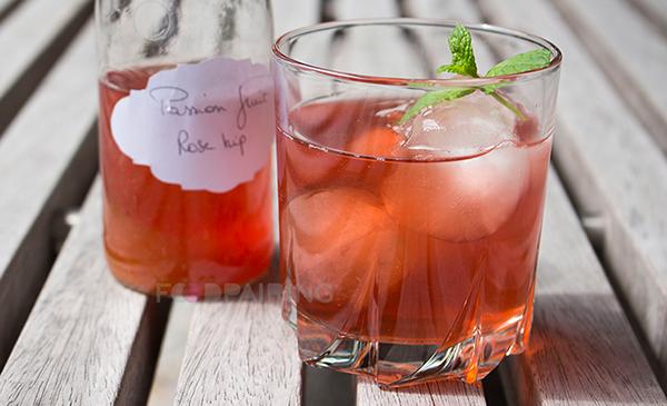 http://blog-assets.foodpairing.com/2016/08/600-Lemonade-Passionfruit-Rose-Hips.png