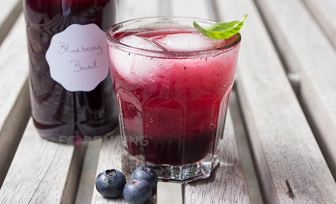 http://blog-assets.foodpairing.com/2016/08/690-Lemonade-Blueberry1.png